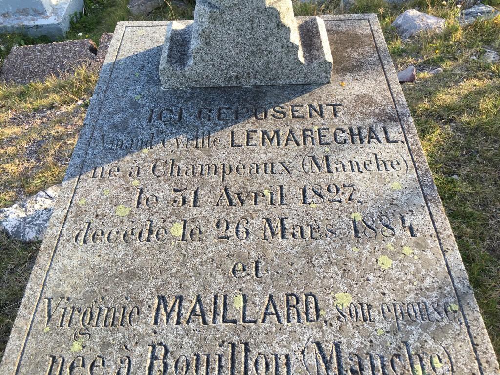 La curiosité du cimetière de l'île aux Marins, la tombe de Arnaud Cyrille Lemaréchal né un 31 avril (merci à FP5AC)